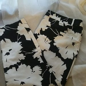 Liz Claiborne crop dress pants black and white
